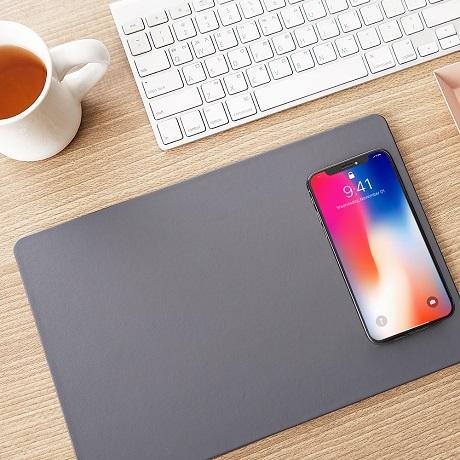Tapis de souris avec charge à induction pour smartphone